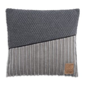 Knit Factory, kussen Sam 50x50 cm 't Maaseiker Woonhuys