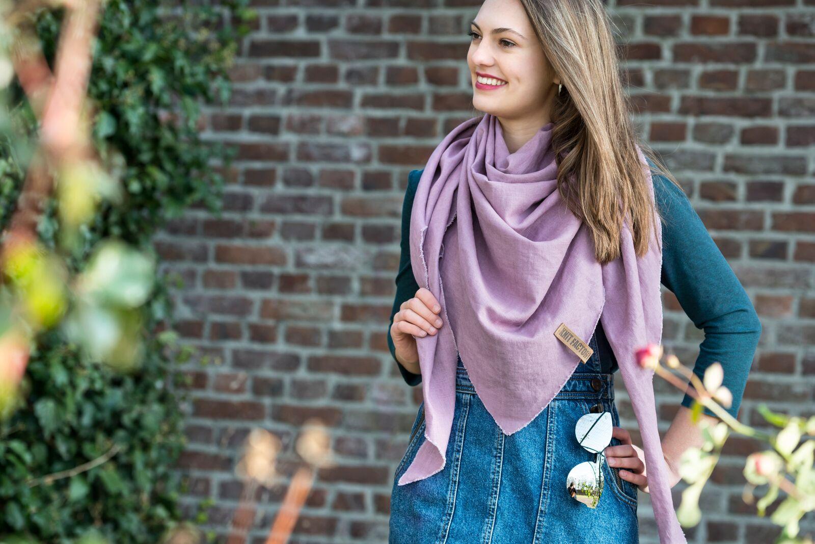 Knit Factory omslagdoek Jill 't Maaseiker Woonhuys