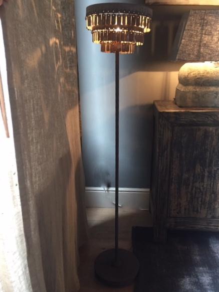 Hoffz staande lamp Gudha 't Maaseiker Woonhuys