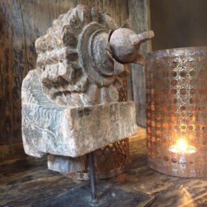 oud houten ornament 't Maaseiker Woonhuys