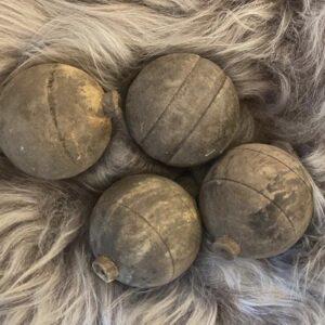 Hoffz houten ballen 't Maaseiker Woonhuys
